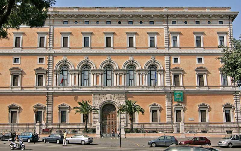 1200px-Palazzo_Massimo_alle_Terme_NE